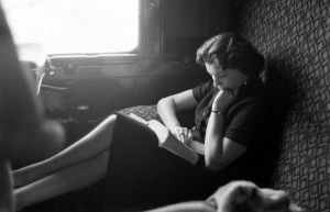 reading-on-a-train